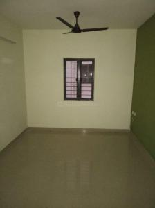 Gallery Cover Image of 886 Sq.ft 2 BHK Apartment for rent in TVS Green Hills, Perungalathur for 10000