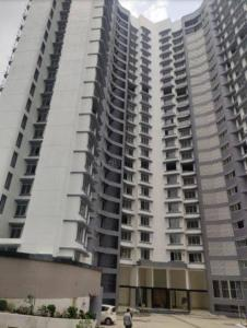 Gallery Cover Image of 650 Sq.ft 2 BHK Apartment for rent in Rizvi Cedar, Malad East for 40000