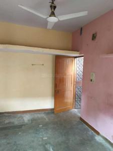 Gallery Cover Image of 450 Sq.ft 1 RK Apartment for buy in Chittaranjan Park for 1400000
