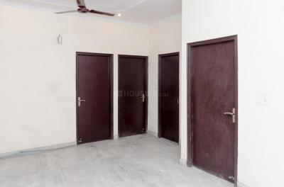 Gallery Cover Image of 1000 Sq.ft 3 BHK Apartment for rent in Sector 49 for 12000