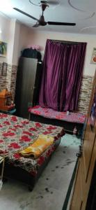 Bedroom Image of Shelters PG in Shakarpur Khas