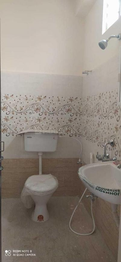 Common Bathroom Image of 700 Sq.ft 1 BHK Apartment for rent in Kondapur for 14000