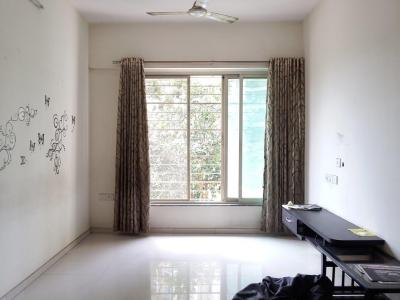 Gallery Cover Image of 950 Sq.ft 2 BHK Apartment for buy in Thane West for 12500000