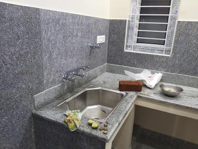 Gallery Cover Image of 650 Sq.ft 1 BHK Independent House for rent in Thirumullaivoyal for 12500