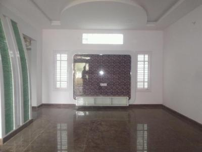 Gallery Cover Image of 1200 Sq.ft 3 BHK Independent Floor for rent in Hosakerehalli for 25000