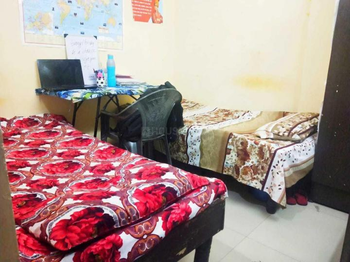मुखर्जी नगर में आस्था गर्ल्स अकॉमोडेशन के बेडरूम की तस्वीर