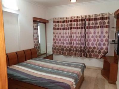 Gallery Cover Image of 800 Sq.ft 2 BHK Apartment for rent in Kandivali West for 25000