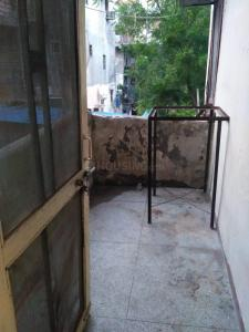 Gallery Cover Image of 650 Sq.ft 2 BHK Apartment for rent in Pratap Vihar for 6000