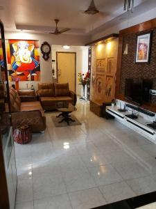 Gallery Cover Image of 1100 Sq.ft 3 BHK Apartment for buy in Thane West for 16500000