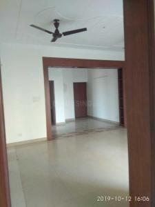 Gallery Cover Image of 2368 Sq.ft 3 BHK Apartment for rent in Sector 30 for 55000