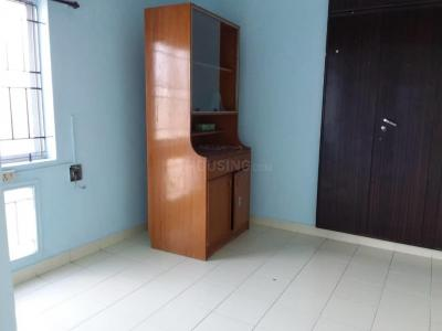 Gallery Cover Image of 815 Sq.ft 2 BHK Apartment for buy in Thoraipakkam for 3500000