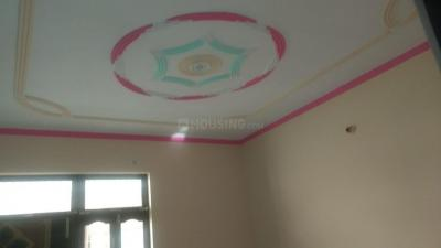 Gallery Cover Image of 300 Sq.ft 1 BHK Independent Floor for rent in Bawana for 4000