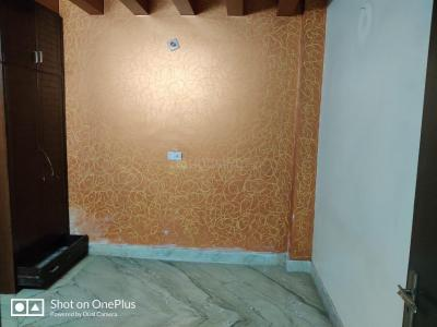 Gallery Cover Image of 1000 Sq.ft 3 BHK Apartment for rent in Uttam Nagar for 16000