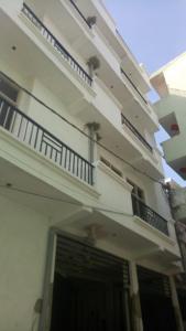Gallery Cover Image of 1050 Sq.ft 3 BHK Apartment for buy in Govindpuram for 2185000