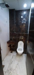 सेक्टर 62 में सुपर अक्कोमोड़ेशन्स के बाथरूम की तस्वीर
