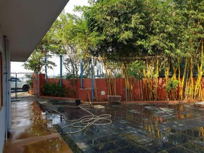 Gallery Cover Image of 11000 Sq.ft 5 BHK Villa for buy in Malad West for 120000000