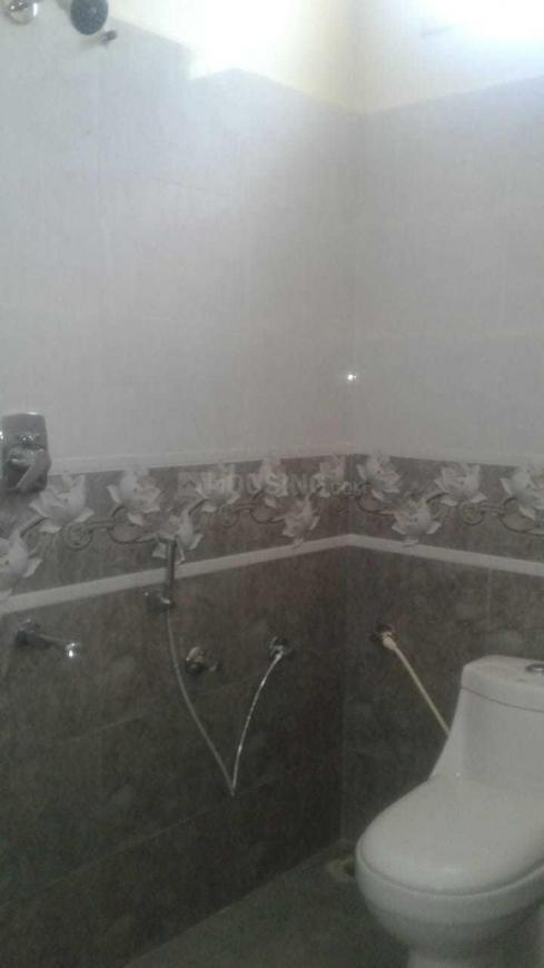 Common Bathroom Image of 1000 Sq.ft 2 BHK Independent House for buy in Battarahalli for 7600000
