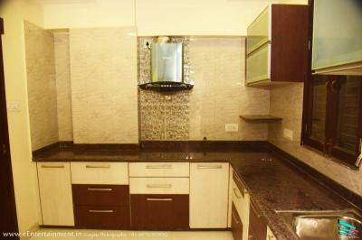Gallery Cover Image of 1714 Sq.ft 3 BHK Apartment for buy in RK Park Ultima, Jankipuram Extension for 6085000