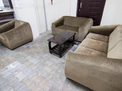Gallery Cover Image of 1350 Sq.ft 3 BHK Independent Floor for buy in Vaishali for 7100000