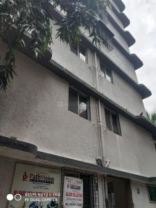 Gallery Cover Image of 300 Sq.ft 1 RK Apartment for rent in Malad West for 15000