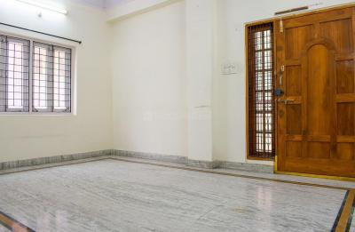 Gallery Cover Image of 2000 Sq.ft 3 BHK Apartment for rent in Padmarao Nagar for 23500