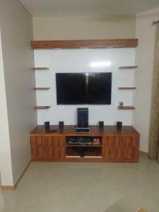 Gallery Cover Image of 2361 Sq.ft 3 BHK Apartment for rent in Sector 107 for 28000