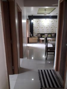 Gallery Cover Image of 2340 Sq.ft 3 BHK Apartment for buy in  Anurag Residency, Memnagar for 14000000