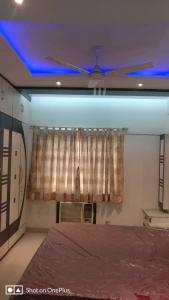 Gallery Cover Image of 950 Sq.ft 2 BHK Apartment for rent in Tollygunge for 30000