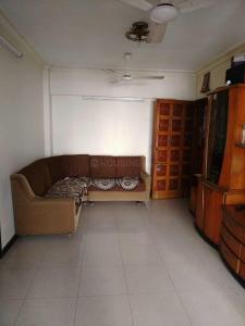 Gallery Cover Image of 600 Sq.ft 1 BHK Apartment for rent in Kandivali West for 26000