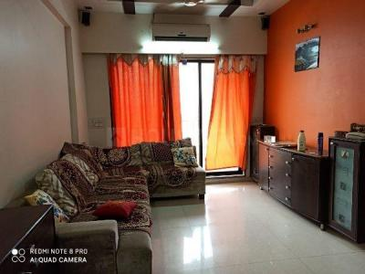 Gallery Cover Image of 700 Sq.ft 1 BHK Apartment for rent in Om Residency Towers, Parel for 50000