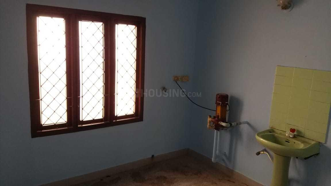 Living Room Image of 690 Sq.ft 2 BHK Independent House for rent in Madipakkam for 14000