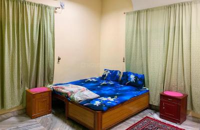 Gallery Cover Image of 2100 Sq.ft 3 BHK Apartment for rent in Sayeedabad for 35000