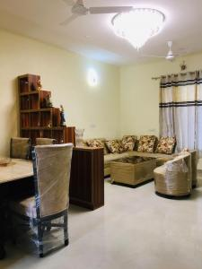 Gallery Cover Image of 945 Sq.ft 2 BHK Independent Floor for buy in Sector 114 for 2589000