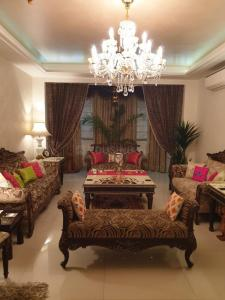 Gallery Cover Image of 1900 Sq.ft 3 BHK Apartment for rent in BNB Imperia Tower, Sector 47 for 50000