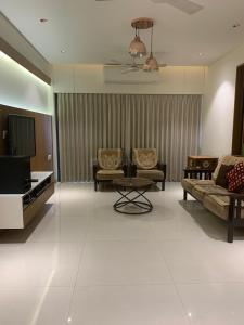 Gallery Cover Image of 1850 Sq.ft 3 BHK Apartment for rent in Makarba for 35000