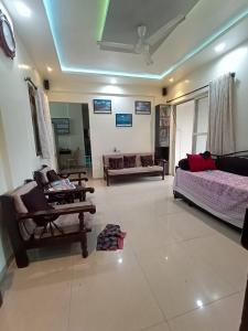 Gallery Cover Image of 975 Sq.ft 2 BHK Apartment for buy in Soba Optima, Anand Nagar for 8800000