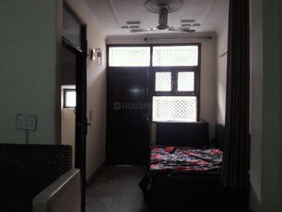 Gallery Cover Image of 1600 Sq.ft 3 BHK Independent Floor for rent in Sant Nagar for 28000