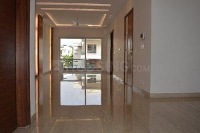 Gallery Cover Image of 2500 Sq.ft 3 BHK Independent Floor for buy in Unitech South City 1, Sector 41 for 18000000