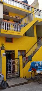 Gallery Cover Image of 1500 Sq.ft 2 BHK Independent House for buy in Rajajinagar for 7000000