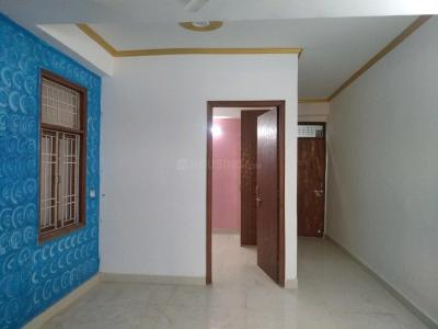 Gallery Cover Image of 750 Sq.ft 2 BHK Apartment for rent in Chhattarpur for 18000
