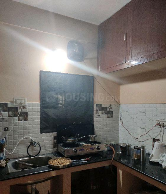 Kitchen Image of 740 Sq.ft 2 BHK Apartment for rent in Selaiyur for 10000