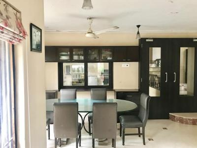 Gallery Cover Image of 400 Sq.ft 6 BHK Independent House for rent in Vashi for 220000