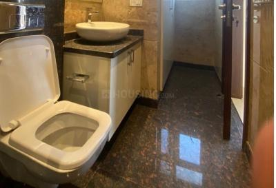 Bathroom Image of 1800 Sq.ft 3 BHK Independent House for buy in The Pamposh, Greater Kailash for 40000000