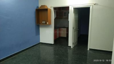Gallery Cover Image of 800 Sq.ft 1 BHK Independent Floor for rent in 5th Phase for 14000
