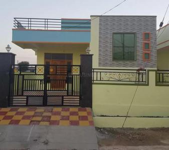 Gallery Cover Image of 600 Sq.ft 2 BHK Villa for buy in Gerugambakkam for 3820000
