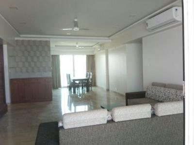Gallery Cover Image of 3000 Sq.ft 3 BHK Apartment for rent in Prabhadevi for 500000