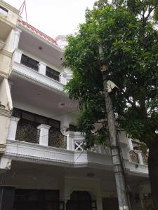 Building Image of Shalimar Girls PG in Shalimar Bagh