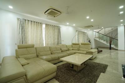 Gallery Cover Image of 6000 Sq.ft 5 BHK Villa for rent in Palavakkam for 175000