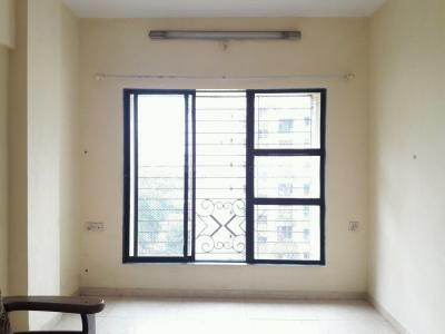 Gallery Cover Image of 570 Sq.ft 1 BHK Apartment for rent in Kandivali East for 18000