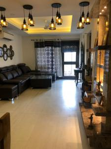 Gallery Cover Image of 1600 Sq.ft 3 BHK Independent Floor for buy in Sector 45 for 20000000